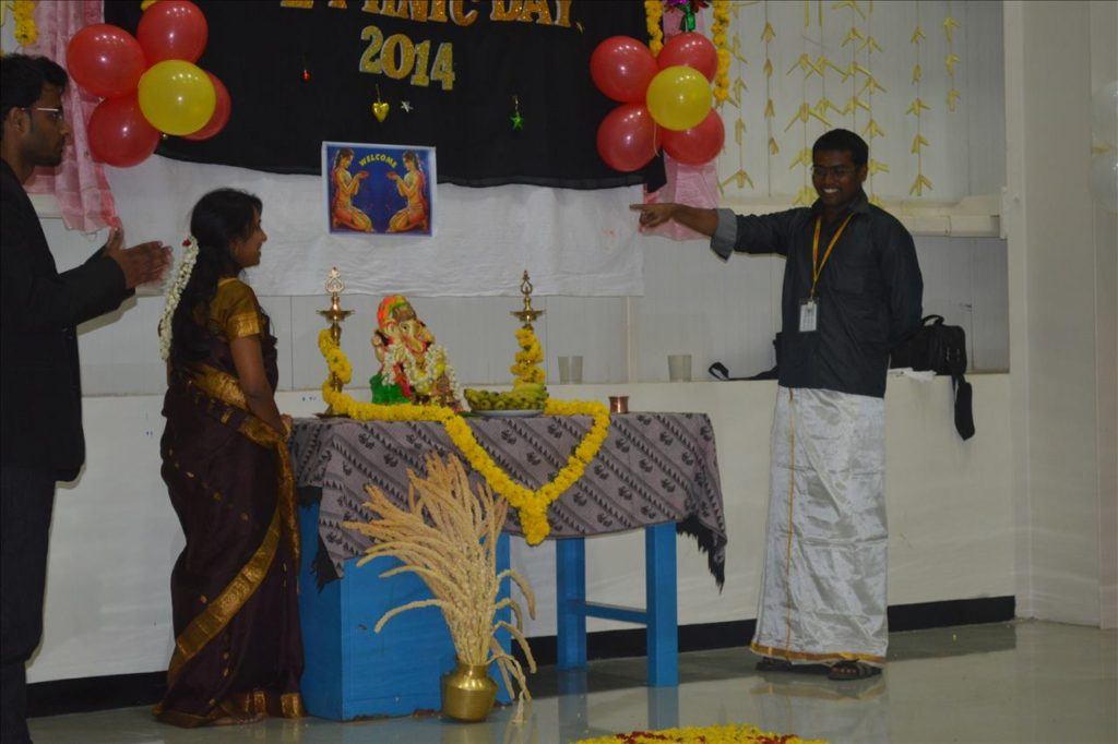 Chennai Event Anchor Thamizharasan hosting corporate event NLP based game